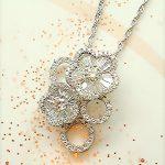 ダイヤモンドの梅の花